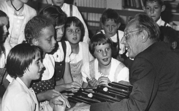 Carl Orff au SOS village enfants Diessen 1964